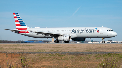 A picture of N552UW - Airbus A321231 - American Airlines - © Yan777