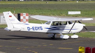 A picture of DEOYS - Cessna 172N Skyhawk - [17269857] - © Mattia De Bon