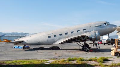 N715F - Douglas DC-3 - Private