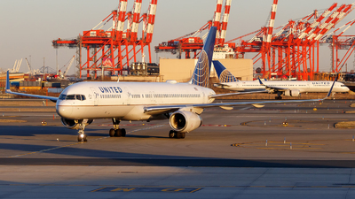 A picture of N12109 - Boeing 757224 - United Airlines - © Oliver Richter