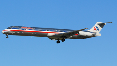 N466AA - McDonnell Douglas MD-82 - American Airlines