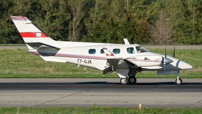 T7-GJK - Beechcraft B60 Duke - Private