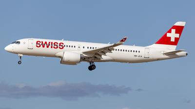 A picture of HBJCA - Airbus A220300 - Swiss - © Edgar Baptista