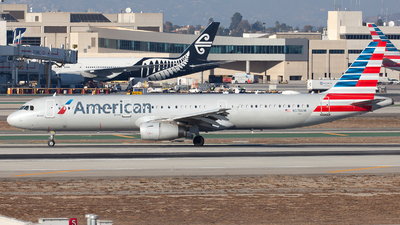 A picture of N576UW - Airbus A321231 - American Airlines - © William Vignes