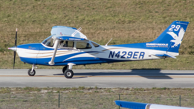 A picture of N429ER - Cessna 172S Skyhawk SP -  - © Ryan McManus