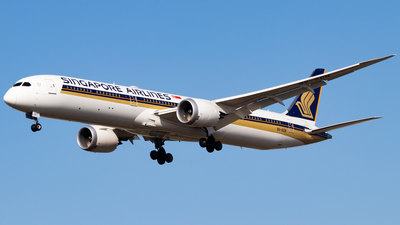 A picture of 9VSCN - Boeing 78710 Dreamliner - Singapore Airlines - © Yukio023