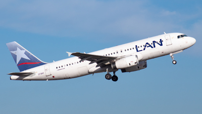 CC-BAC - Airbus A320-233 - LAN Airlines