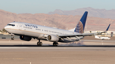 A picture of N67845 - Boeing 737924(ER) - United Airlines - © Felipe Garcia