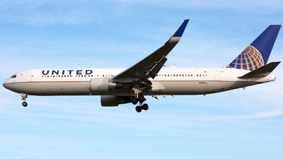 N686UA - Boeing 767-3CB(ER) - United Airlines