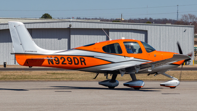 A picture of N929DR - Cirrus SR22 - [4441] - © Andrew Jeng
