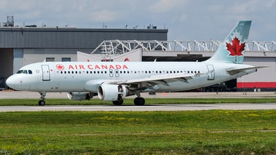 A picture of CFGKH - Airbus A320214 - Air Canada - © MingyaoLeonardo