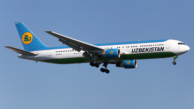 UK67007 - Boeing 767-3CB(ER) - Uzbekistan Airways