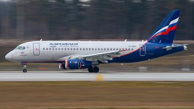 A picture of RA89123 - Sukhoi Superjet 10095B - Aeroflot - © kislond