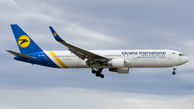 UR-GEB - Boeing 767-33A(ER) - Ukraine International Airlines