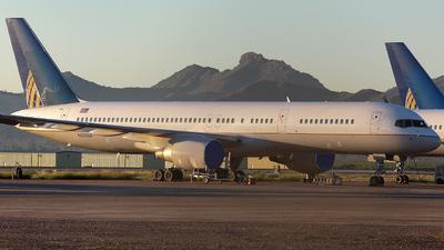 A picture of N553UA - Boeing 757222 - [25277] - © Wojtek Kmiecik