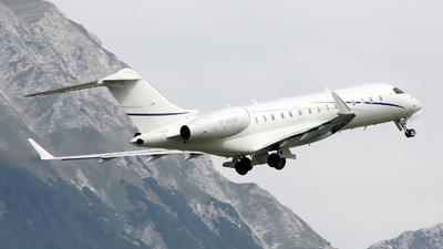 M-NAME - Bombardier BD-700-1A10 Global 6000 - Private
