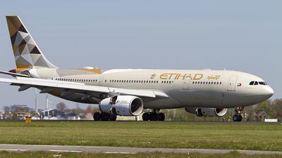 A6-EYF - Airbus A330-243 - Etihad Airways