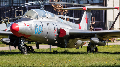 69 - Aero L-29 Delfin - Soviet Union - Air Force