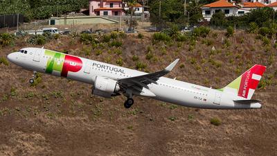 A picture of CSTJI - Airbus A321251N - TAP Air Portugal - © Alex Maio