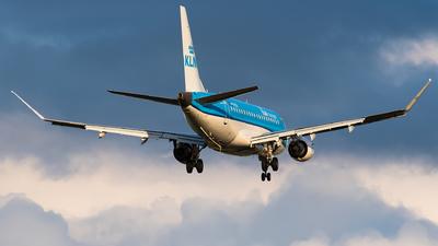 A picture of PHEXN - Embraer E175STD - KLM - © Ricardo de Vries