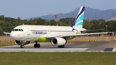 HL7745 - Airbus A320-232 - Air Busan