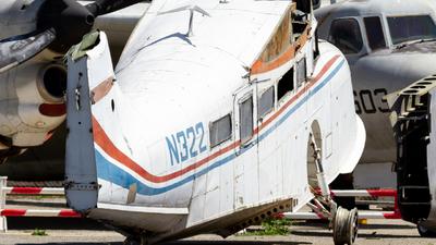 N322 - Grumman G-21A Goose - Private