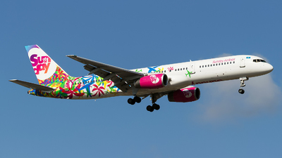 UP-B5705 - Boeing 757-204 - Sunday Airlines