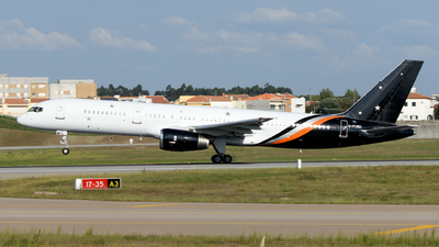 A picture of GPOWH - Boeing 757256 - Titan Airways - © Rui Marques