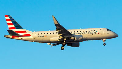 A picture of N247NN - Embraer E175LR - American Airlines - © Lorenzo P