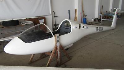 HA-4038 - Rolladen-Schneider LS-1 - Private