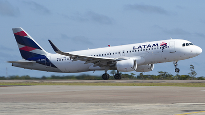 PR-MYX - Airbus A320-214 - LATAM Airlines