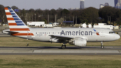 A picture of N725UW - Airbus A319112 - American Airlines - © Thomas Morrison