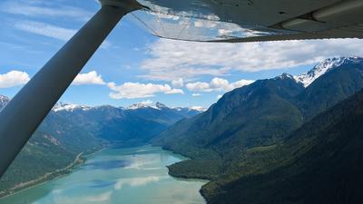C-FNJF - Cessna 152 - Canadian Flight Centre