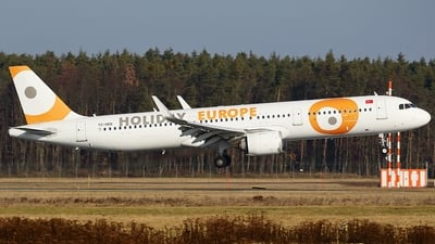 TC-OED - Airbus A321-253N - Holiday Europe (Onur Air)