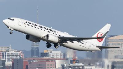 JA323J - Boeing 737-846 - Japan Airlines (JAL)