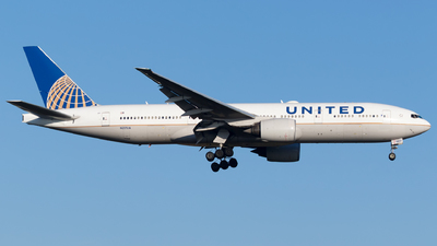 N217UA - Boeing 777-222(ER) - United Airlines