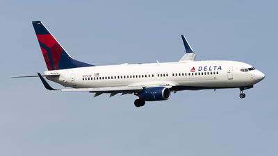 A picture of N3749D - Boeing 737832 - Delta Air Lines - © Andrew Mauro
