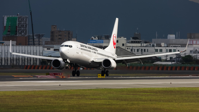 JA348J - Boeing 737-846 - Japan Airlines (JAL)