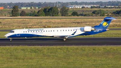 A picture of 9XRWI - Mitsubishi CRJ900 - RwandAir - © Bianca Renz