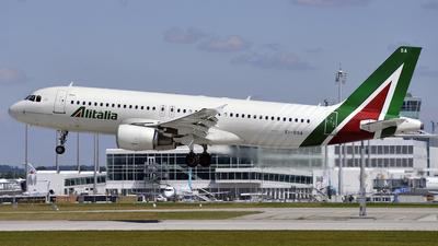EI-DSA - Airbus A320-214 - Alitalia
