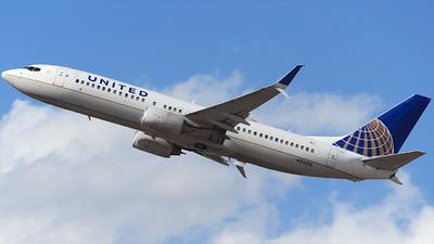 N76515 - Boeing 737-824 - United Airlines
