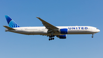N2749U - Boeing 777-322ER - United Airlines
