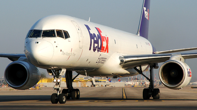 A picture of N974FD - Boeing 7572Y0(SF) - FedEx - © Rami Mizrahi