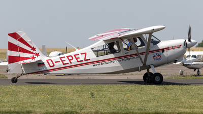 D-EPEZ - American Champion 8KCAB Super Decathlon - Private