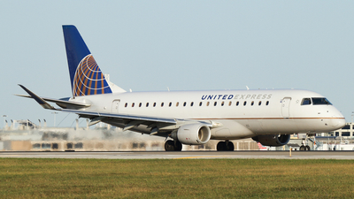 A picture of N725YX - Embraer E175LR - United Airlines - © Connor Cummings