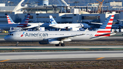 A picture of N154AA - Airbus A321231 - American Airlines - © Rocky Wang