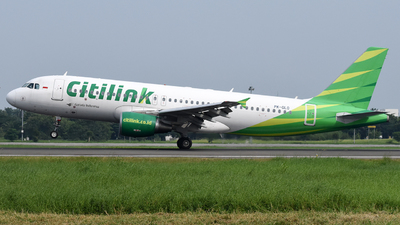A picture of PKGLO - Airbus A320214 - Citilink - © Calvin L