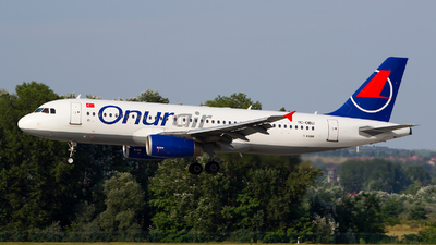 TC-OBU - Airbus A320-232 - Onur Air