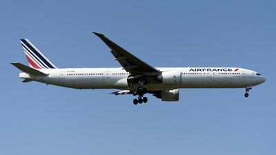 F-GSQE - Boeing 777-328ER - Air France