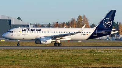 A picture of DAIWH - Airbus A320214 - Lufthansa - © Laszlo Fekete